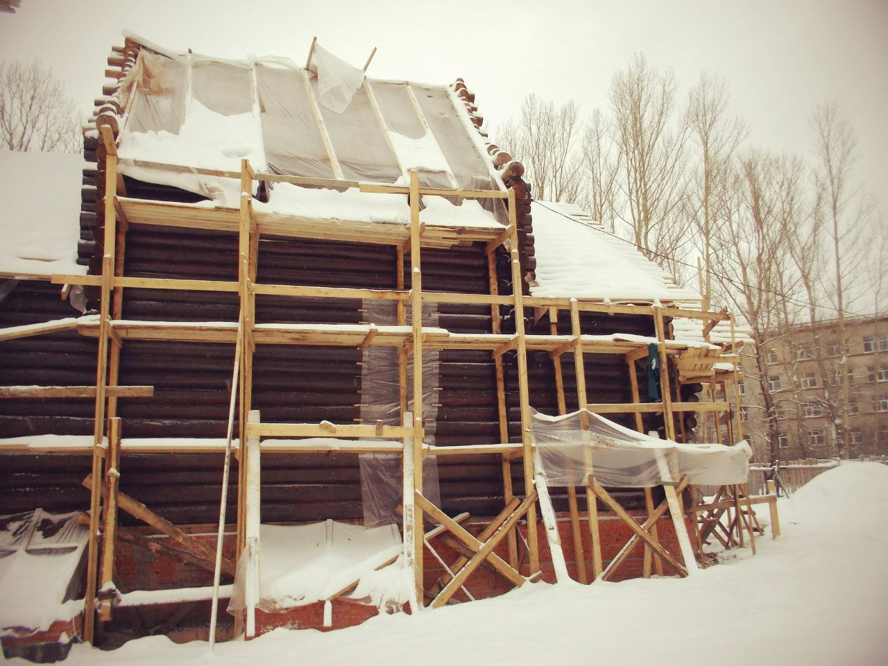 Ведутся работы с отоплением храма